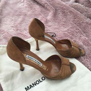 Manolo Blahnik Beige D'ORSAY 4 inch heels.